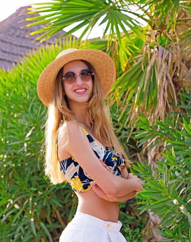 Tiki Beach Style -Bianca Dragan